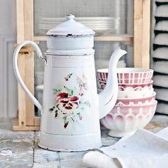 https://flic.kr/p/pgE9fZ | Antique French Enamelware Coffee Pot | flowers / pansies