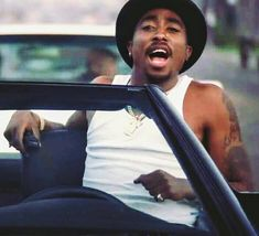 I'm from everywhere Hip-Hop historian. I say ignorant shit. Tupac Photos, Tupac Pictures, Aaliyah, Arte Hip Hop, Hip Hop Art, Tupac Makaveli, Gta San Andreas, Gorgeous Black Men, 90s Hip Hop