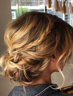 Znalezione obrazy dla zapytania fryzury do ramion na wesele