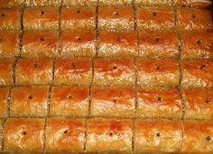 Λημνιακό γλυκό με φύλλο – Λαχταριστοί σαμσάδες Yams, Watermelon, Food And Drink, Fruit, Recipes, Ripped Recipes, Cooking Recipes
