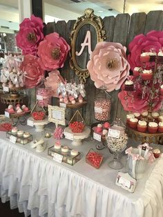 SI ME QUEDA EXTRA STUFF, SE USA EN EL BACKYARD....Flower backdrop with gems Baby Shower Party Ideas | Photo 3 of 9 #decoracionbabyshower