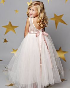 The perfect twirling piece for your flower girl, @FattiePieDresses makin' little girls feel like Princesses. Right now save 15% with code WC15! #flowergirl #weddingchicks #fattiepiedresses #wedding #sweetheart