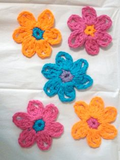 Check out this item in my Etsy shop https://www.etsy.com/listing/178546888/set-of-5-spring-flower-appliques-set-4