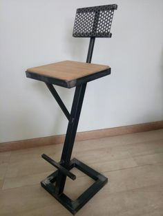 Welding Table – Should You Build One Or Buy One? Designer Bar Stools, Tufted Headboards, Diy Welding, Chaise Bar, Stool Chair, Welding Machine, Herd, Loft Style, Küchen Design