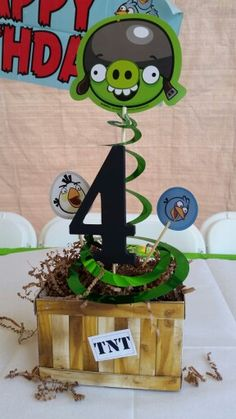 Nate's 4th angry birds centerpiece