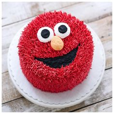Birthday Cake Buttercream Kids 42 New Ideas Cake Decorating Piping, Cake Decorating Designs, Birthday Cake Decorating, Cake Decorating Techniques, Cake Designs, Anniversaire Elmo, Movie Cakes, Elmo Cake, Baby Birthday Cakes