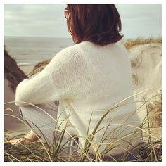 Modelli gratuiti di maglia e uncinetto di DROPS Design Knitted Dog Sweater Pattern, Knit Dog Sweater, Crochet Vest Pattern, Sweater Knitting Patterns, Free Knitting, Free Crochet, Crochet Patterns, Drops Design, Henny Penny