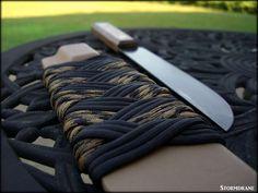 Paracord wrap on a kydex sheath.