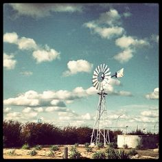 Colesberg Windpomp Old Windmills, Water Wheels, Wind Mills, Wood Burning Patterns, Afrikaans, Beautiful Landscapes, Barns, South Africa, Ranch