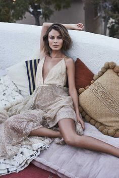 Nathalie-Kelley for A Conscious Collection Magazine Urban Fashion, Boho Fashion, Fashion Outfits, Womens Fashion, Fashion Fall, Fashion Night, Nathalie Kelley, Look Short, My Hairstyle