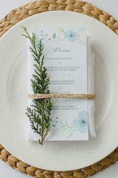 How To Choose A Tasty Wedding Menu – Wedding Candles Ideas Diner Menu, Diner Table, Diner Party, Company Christmas Cards, Christmas Cards To Make, Wedding Menu Cards, Wedding Table, Wedding News, Wedding Foods