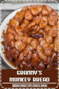 ★★★★★ - Granny's Monkey Bread is a sweet, gooey, sinful cinnamon sugar treat that will be loved by young and old alike. Be careful, its dangerously addictive. Snacks Recipes, Bacon Recipes, Noodle Recipes, Easy Dinner Recipes, Bread Recipes, Appetizer Recipes, Crockpot Recipes, Easy Recipes, Keto Recipes