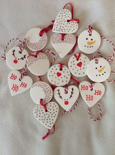 The post Baking soda clay decorations. appeared first on Salzteig Rezepte. The post Baking soda clay decorations. 2019 appeared first on Clay ideas. Snowman Christmas Ornaments, Homemade Christmas Decorations, Christmas Clay, Clay Ornaments, Holiday Crafts, Christmas Tree, Victorian Christmas, Salt Dough Ornaments, Holiday Decorations