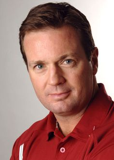 OU football coach Bob Stoops will join other Big 12 and Big Ten coaches in hosting the Coaches' Mentoring Challenge. Ou Sports, Bronco Sports, Ou Football, College Football, Bob Stoops, Boomer Sooner, Oklahoma Sooners, Athlete, Challenges