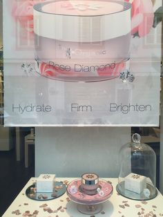 The Organic Pharmacy Rose Diamond im Schaufenster bei just green Things Beauty Boutique