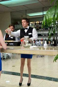 Фото: Ваш коктейль, Леди. Вам безумно идет это синее платье )))