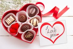 Fun facts about Valentine& Day Happy New Year Quotes, Quotes About New Year, Valentines Day Chocolates, Valentine Gifts, Funny Valentine, Love Facts, Fun Facts, Celebration Around The World, Valentine's Day
