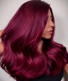 63 Yummy Burgundy Hair Color Ideas: Burgundy Hair Dye Tips & Tricks Burgundy Hair Color Shades: Wine/ Maroon/ Burgundy Hair Dye Tips Burgundy Hair Dye, Magenta Hair Colors, Dyed Red Hair, Hair Color Shades, Hair Color Dark, Dye My Hair, Cool Hair Color, Ombre Hair, Blonde Hair