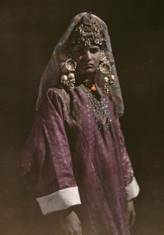 Asia | Portrait of a girl wearing traditional clothes and headdress, Kashmir, India #autochrome