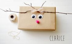 Present wrapping ideas Christmas Gift Wrapping, Christmas Presents, Holiday Gifts, Christmas Holidays, Reindeer Christmas, Present Wrapping, Creative Gift Wrapping, Wrapping Ideas, Craft Gifts