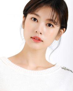 Jung So Min, Kim Go Eun, Photo P, Young Actresses, Korean Celebrities, Sooyoung, Best Face Products, South Korea, Character Inspiration