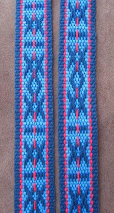 This Sami pattern was thanks to Susan Foulkes in the Yahoo Braids and Bands Group. Card Weaving, Tablet Weaving, Weaving Art, Loom Weaving, Inkle Weaving Patterns, Inkle Loom, Bonnet Pattern, Blue Bonnets, Design Model
