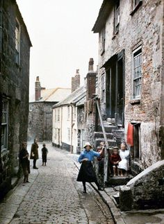 "St. Ives: These pictures were taken in August 1913, one year before the outbreak of World War One by Auguste Leon. Leon was working for Albert Kahn, a French banker and philanthopist who, at this time, had a house in Cornwall. In total, Kahn's photographers took 72,000 colour images of 50 countries to form ""The Archives of the Planet""."