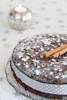 ☆  ★  ☆   Chocolade vruchtencake met sterretjes...