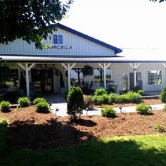 This hidden gem is tucked into the countryside just outside of Princeton, KY. Come dine on homemade American cooking on this Kentucky farm.
