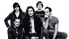 """""""The Strokes"""" se ocupa para informar que la banda será la encargada de liderar  el cartel del Vive Latino. http://mexico.srtrendingtopic.com/trend/10943/2016-11-04/2016-11-04/the-strokes.html"""