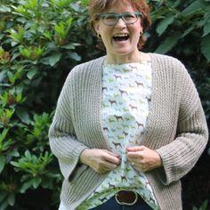 Brigitte @punktemarie Sweaters, Fashion, Creative Ideas, Lace Cardigan, Jackets, Breien, Basteln, Moda, Pullover