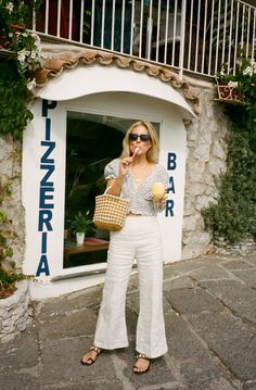 spring and summer style, chic summer sandals, summer sandal trends, shoe trends, linen pants Italy Street Fashion, Europe Fashion, Italy Fashion, Summer Fashion Trends, Spring Summer Fashion, Spring Outfits, Spring Trends, Holiday Outfits, Fashion Me Now