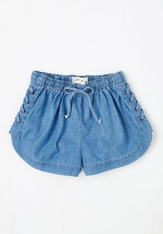 Gone Disc Golfing Shorts. Hit the park for some friendly competition in these chambray shorts! #blue #modcloth