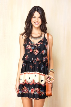dress & necklace = awesome.