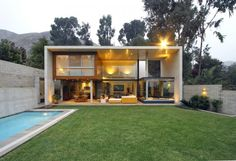 S House - Lima, Peru, 2009 Juan Carlos Domenack Lentzkow www.domenack-arquitectos.com via archdaily.com  for #form