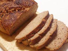 Köményes, diós rozskenyér recept Croissant, Bread Recipes, Banana Bread, Desserts, Breads, God, Tailgate Desserts, Deserts, Dessert