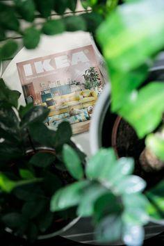 Catalogul IKEA este cea mai mare producție tipărită 100% pe hârtie certificată de Forest Stewardship Council (FSC).În București și împrejurimi am distribuit anul acesta peste 800.000 de exemplare gratuit. Dacă nu l-ai primit, îl poți lua gratuit din magazinul nostru, începând cu data de 10 septembrie, dinzona Relații Clienți, sau îl poți răsfoi online. #CatalogulIKEA2018 Ikea 2018, Wood Watch, Wooden Clock