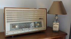 Jack Daniels Honey lamp & vintage radio