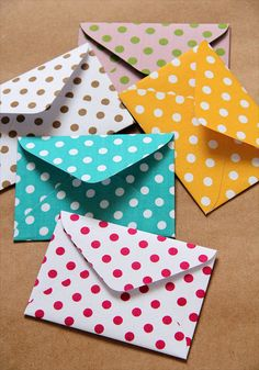 Conjunto bolinhas by Zoopress studio, via Flickr