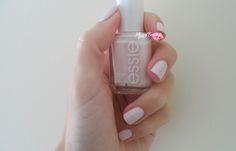 #essie-smalto-#fiji-nail-polish-swatch