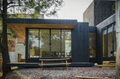 Gallery of The Black Cabin / Revolution Architects - 25