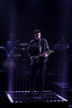 shawn mendes https://www.youtube.com/watch?v=LRqeOUr_DHo&feature=youtu.be