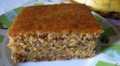 Vă invităm cu mare drag să încercați această minunată rețetă de chec delicios de post. Se prepară foarte simplu și ușor, iar gustul este inconfundabil de aromat și savuros. Adunați-vă familia la un ceai cald cu chec dulce de banane și mălai! Echipa Bucătarul.tv vă dorește poftă bună alături de cei dragi!  Autor text: … Romanian Food, Cakes And More, Meatloaf, Banana Bread, Biscuits, Sweets, Desserts, Banana, Crack Crackers