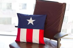 Pillow cover CAP inspired by Captain America, one of Marvel's Avengers. Photography by Martina Pöll Daisy Chain, Marvel Avengers, Captain America, Decorative Pillows, Organic Cotton, Pillow Covers, Nerd, Geek Stuff, Colorful