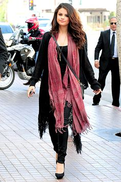 Selena Gomez -- wearing a very, very large scarf — arrived at an L.A. atudio for an interview April 5.