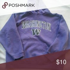University of Washington Hoodie This is perfect for those cold huskie games! Tops Sweatshirts & Hoodies