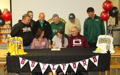 @nhsomniscient A big congratulations to Kayli Blankenship for signing to play softball for Guilford College last week!