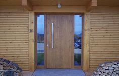 Tischlerei Neumann - Haustür aus Holz