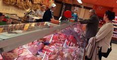 Comer #hamburguesas, #salchichas, #CarnesRojas, #jamon o #bacon ES TAN CANCERÍGENO, como el #tabaco o el #amianto, según la #OMS #cancer