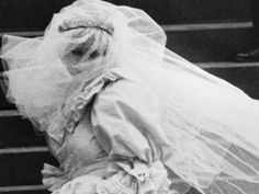 Our first glimpses of the lovely Lady Diana  arriving at St. Paul's Cathedral for her wedding.